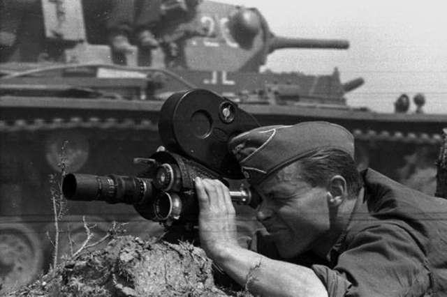 Kaczor Donald fuhrerem i reporterzy III Rzeszy — ostatnia filmowa środa - full image