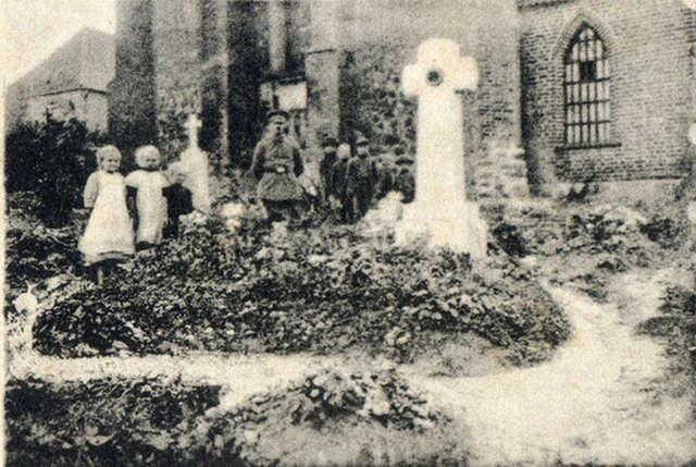 Rosjanie zabili parafian i proboszcza - full image