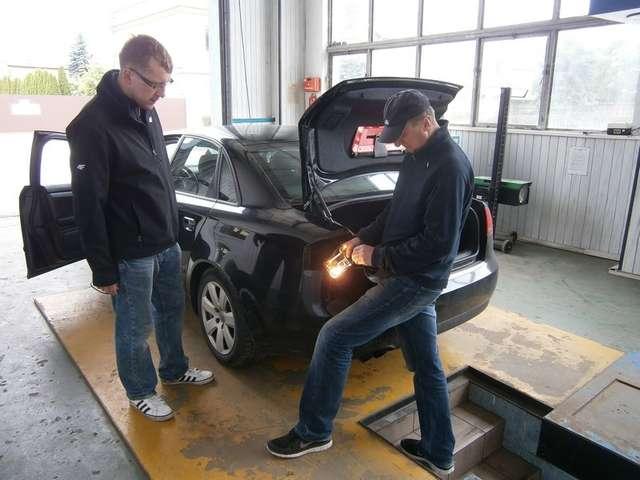 Przedwakacyjne badanie pojazdów - full image