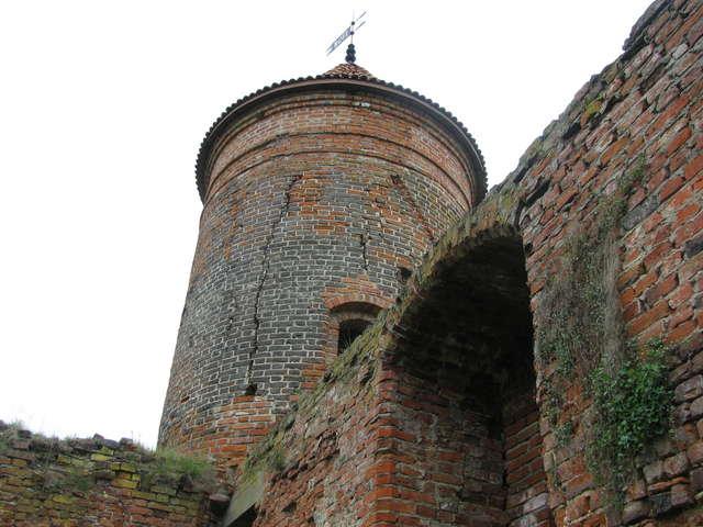 Dwanaście wież zamku w Szymbarku. Historyczne tajemnice na wakacje - full image
