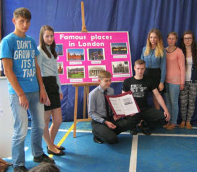 Uczniowie zaprezentowali różne projekty edukacyjne - full image