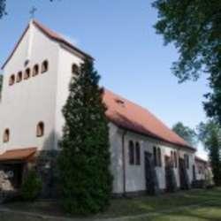 Rekolekcje odbywają się pod hasłem: Kościół jako żywa wspólnota Jezusa Chrystusa / na zdjęciu kościół w Stawigudzie