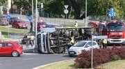 Ciężarówka blokowała ruch na rondzie przy ulicy Bałtyckiej