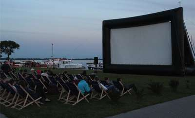 Letnie kino w Porcie Ekomarina