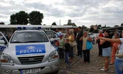 Policjanci świętują i zapraszają mieszkańców na festyn