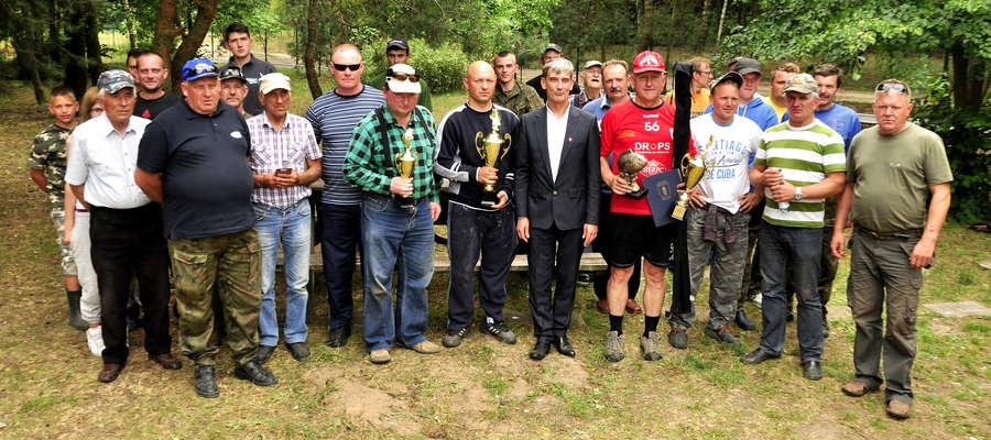 Uczestnicy zawodów o Puchar Burmistrza Bieżunia
