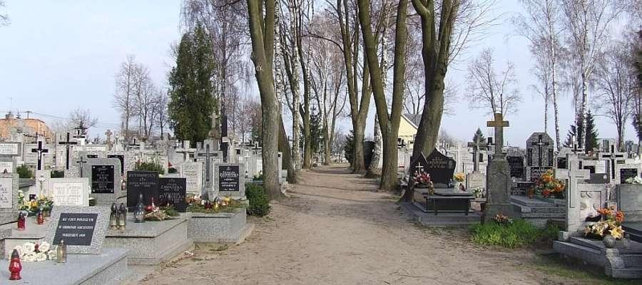 Parafialny cmentarz powiększy się o 840 m kw. Fot. UG RÓŻAN