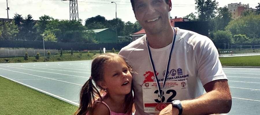W Radomiu dwukrotnego medalistę mistrzostw Polski lekarzy dopingowała córeczka Ala