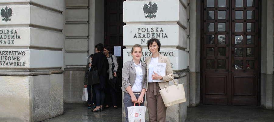 Kinga Pietruszyńska ze swoją nauczycielką Elżbieta Liszewską fot. zbiory prywatne