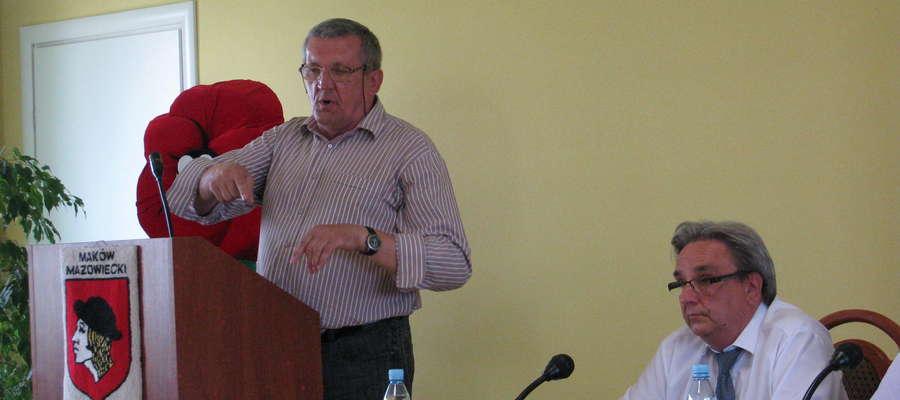 Radny Jan Kubaszewski mówił m.in. o problemach ze śmieciami