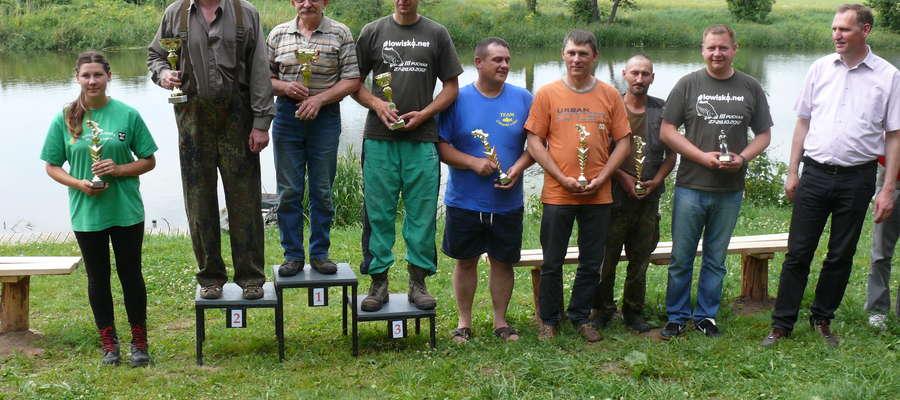 Nagrody dla najlepszych wędkarzy ufundował Wojciech Prokocki, starosta powiatu bartoszyckiego