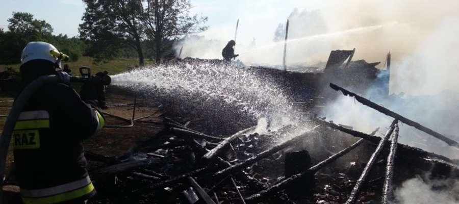 W Olszewie Węgorzewskim (gmina Budry) palił się budynek gospodarczy