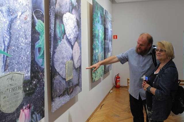 """""""Odzyskane"""" - wystawa Mariana Stępaka w Galerii BWA - full image"""