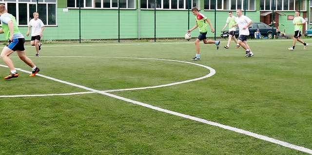 Mecze rozgrywano na boisku w Jelonkach - full image