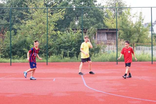 Zajęcia przygotowane przez szkoły to alternatywa na spędzenie wakacji - full image