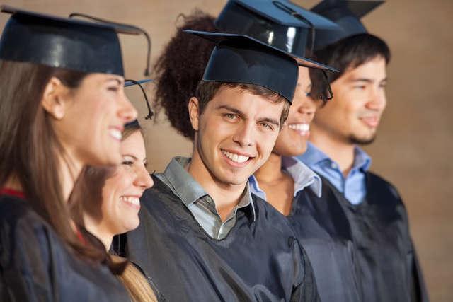 Uczelnie wyższe czekają na maturzystów - full image