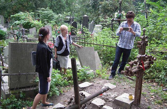 Wizja lokalna na Cmentarzu Janowskim - full image