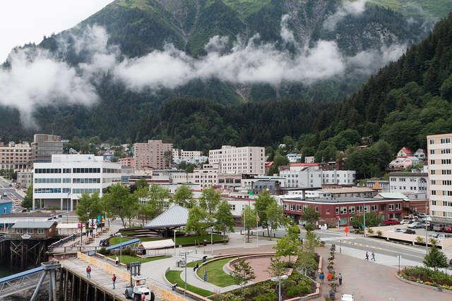 Juneau - stolica stanu Alaska - full image