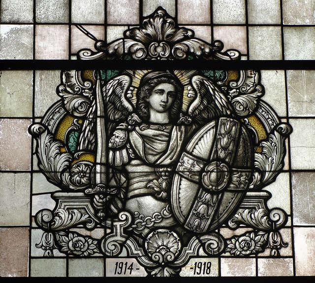 Michał Archanioł i św. Agnieszka przypominają poległych - full image
