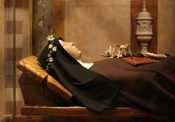 Figura z Bazyliki Saint Clare we Włoszech