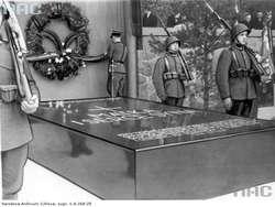 Grobowiec Marii Piłsudskiej i serca Marszałka Józefa Piłsudskiego na cmentarzu na Rossie, 12.05.1936