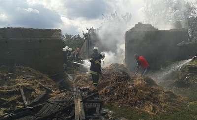 Groźne pożary w Dłutowie i Żabinach. Straty 130 tys. zł