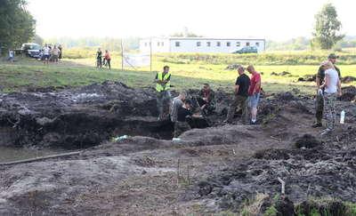 Znaleźli silniki bombowca rozbitego pod Gierzwałdem