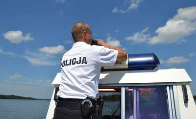 Mężczyzna wypadł z jachtu. Policjanci poszukują świadków zdarzenia