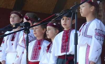 Kultura ukraińska na niebiesko-żółto i biało-czerwono