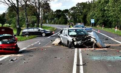 Zderzenie trzech aut na drodze w Ćwiklinku [AKTUALIZACJA]