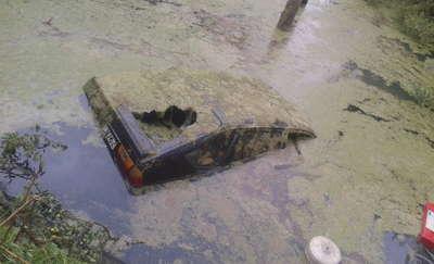 Nastolatkowie ukradli vw i utopili go w oczyszczalni ścieków