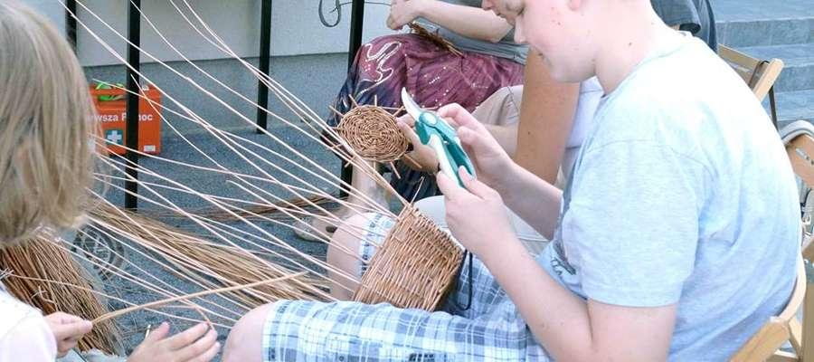 W lipcu w ŻCK odbyły się warsztaty wikliniarstwa
