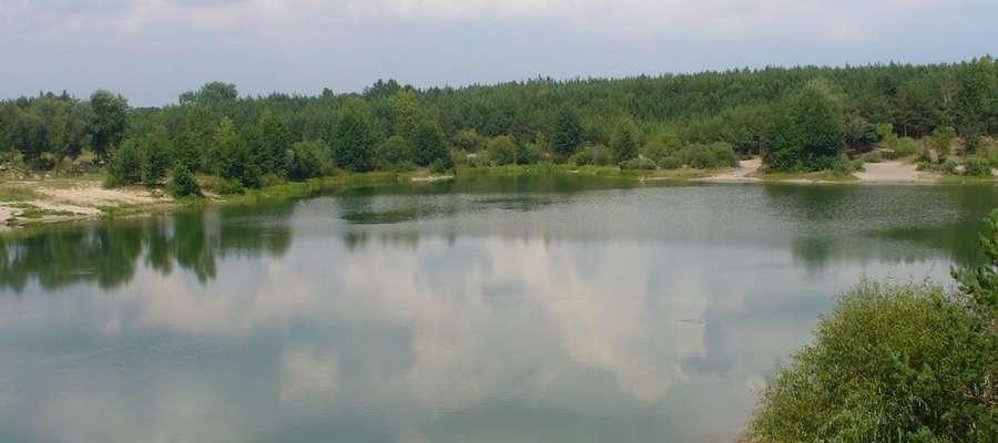 Atrakcją gm. Rzewnie jest m.in. zbiornik pożwirowiskowy w Brzózach
