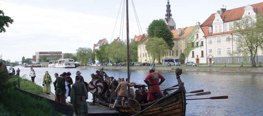 Niewątpliwą atrakcją imprezy będzie rejs repliką łodzi wikingów po rzece Elbląg