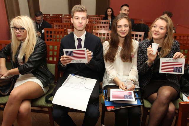 Model United Nations 2014. Uczniowie wcielają się w dyplomatów - full image