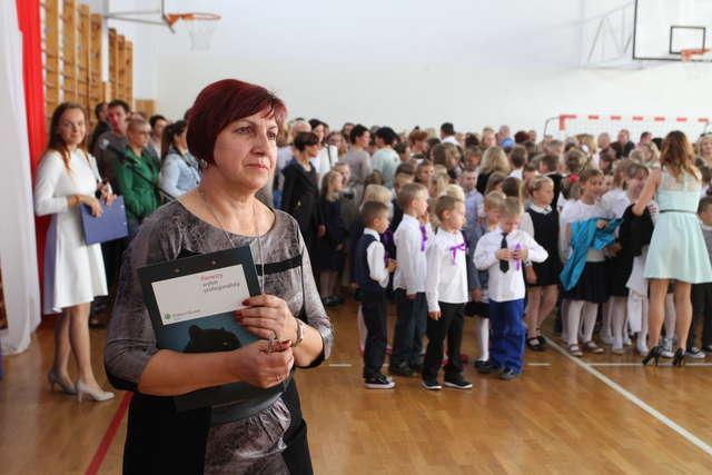 Nowy rok szkolny. Olsztyn wzbogacił się o 45 nauczycieli  - full image