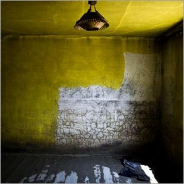 Potężny żywioł i jego konsekwencje — fotograficzny esej Filipa Ćwika w Galerii Rynek - full image