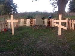 Zabrost Wielki: odnowiony cmentarz i fragment okopów