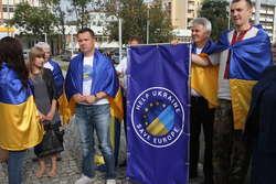 Ukraińcy na placu Solidarności w Olsztynie