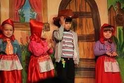 Kilkoro uczestników mogło przebrać się w strój Czerwonego Kapturka
