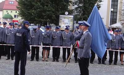 Próba generalna przed nadaniem sztandaru policji