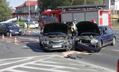 Wypadek na skrzyżowaniu w Olsztynie. Jedna osoba ranna