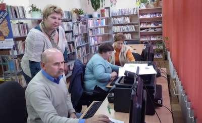 Seniorzy łapią bakcyla Internetu