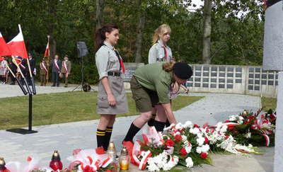 Ku pamięci i czci pomordowanych