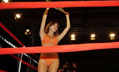 Płeć piękna mile widziana w ringu – propozycja Budowlanych