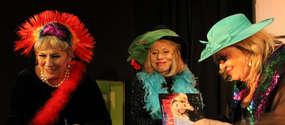 Trzy znane aktorki występują w spektaklu