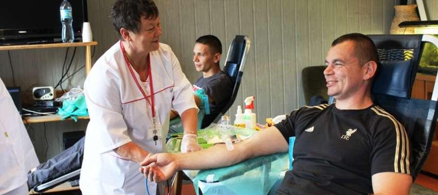 Łącznie do akcji honorowego krwiodawstwa przystąpiło blisko 30 osób, które po badaniach mogły oddać krew