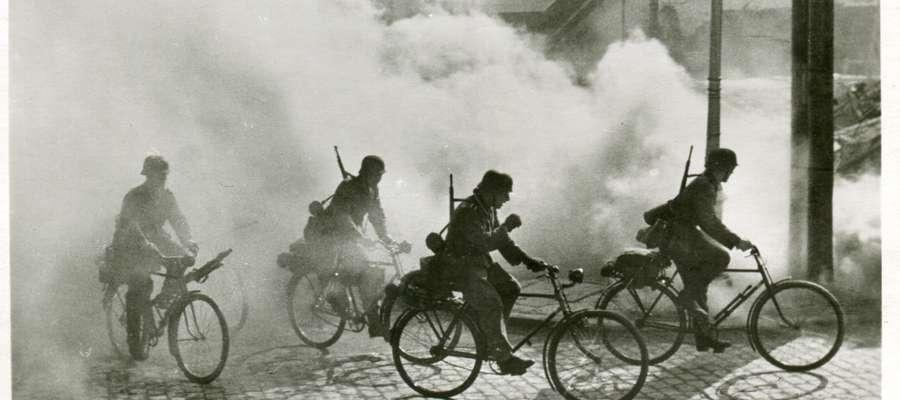 Wojska wermachtu pojawiły się w Żurominie na rowerach 15 września 1939 roku