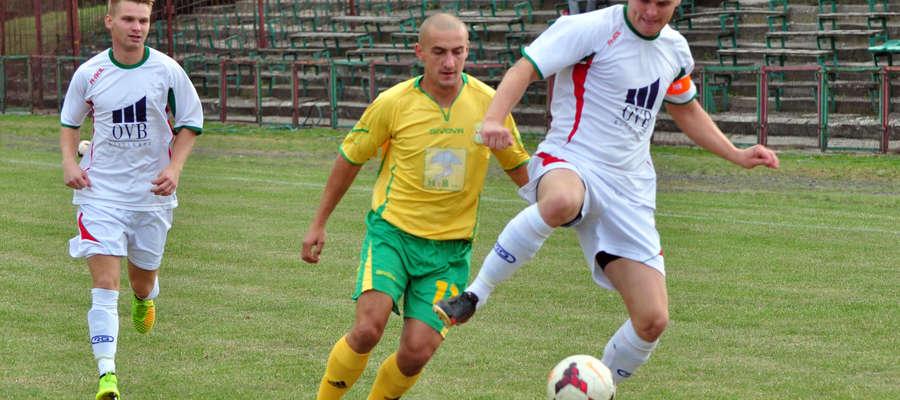 Dominik Stopczyński został zmieniony, bo musiał iść do pracy. Od tej pory gra defensywna Wkry siadła