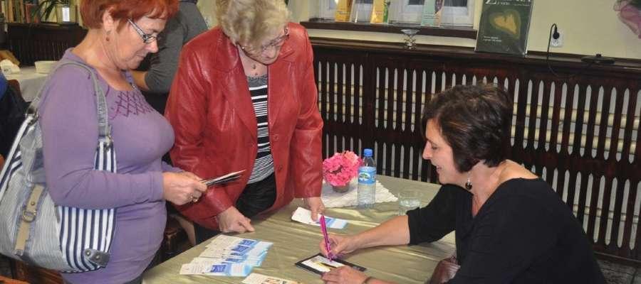 Chętne osoby otrzymały autografy